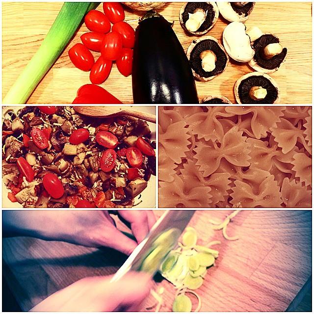 Makaron farfalle z indykiem i warzywami