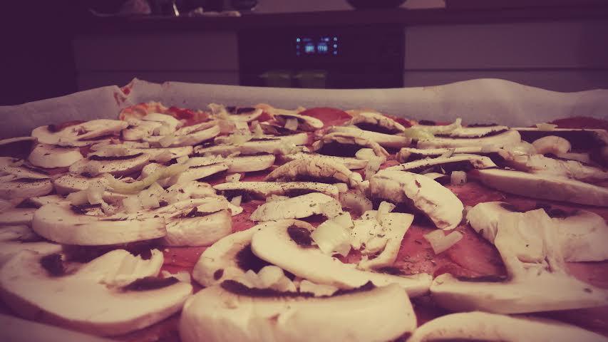 Pizza domowa na cienkim cieście