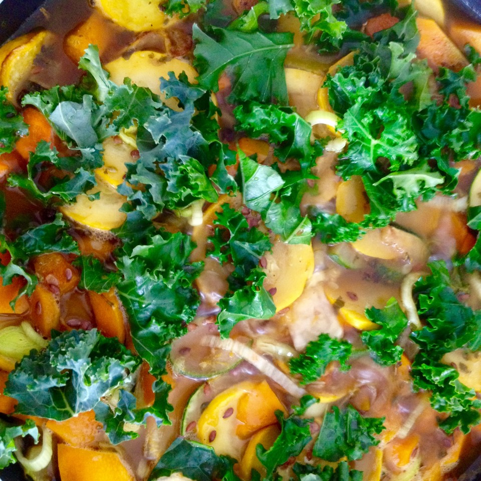 Warzywne ratatouille z dyni, cukinii i jarmużu