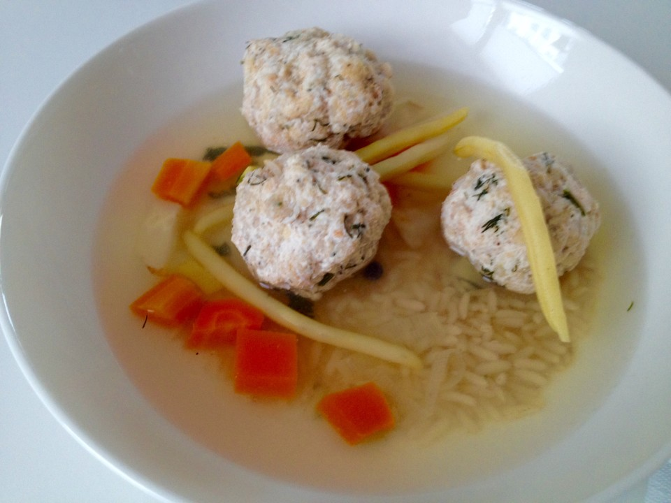 Zupa ryżowa z fasolką i pulpetami