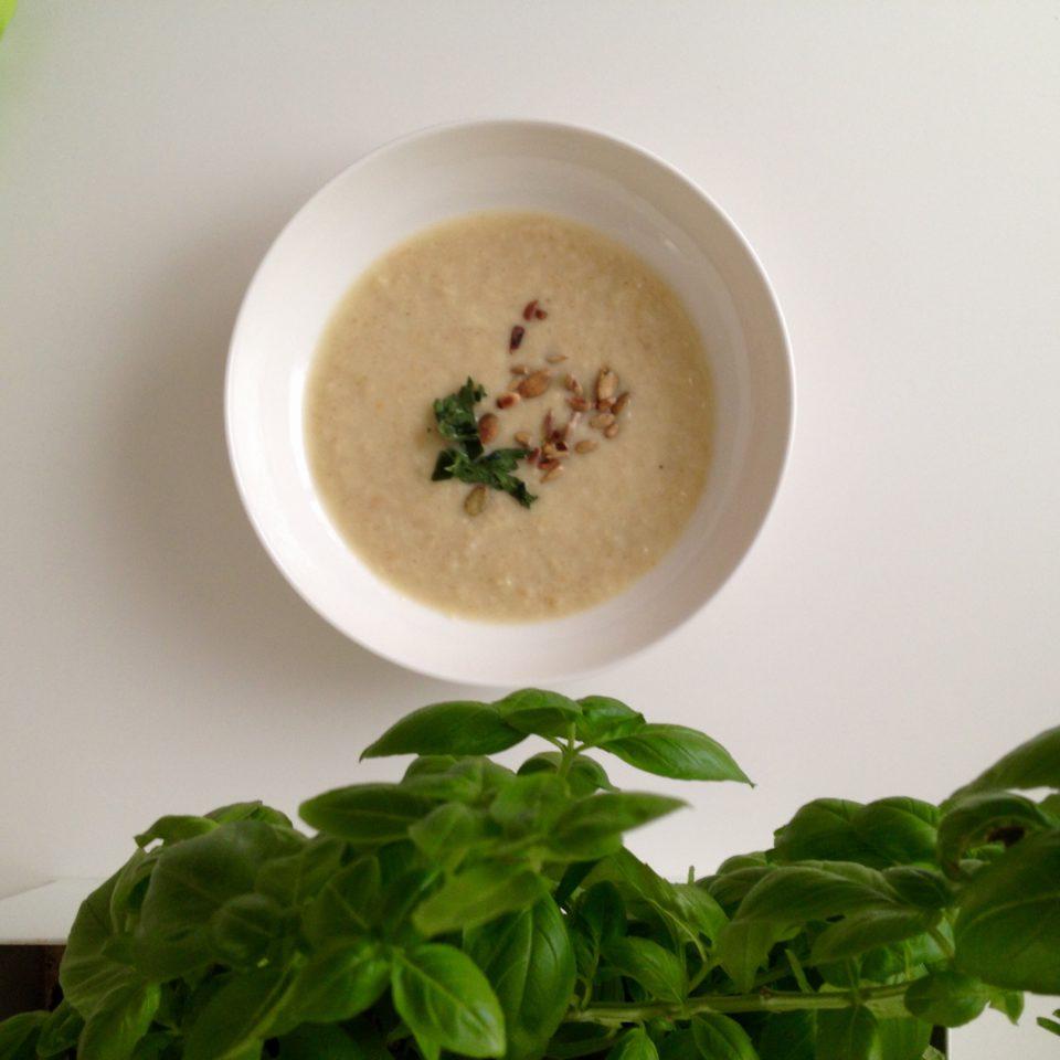 Zupa z selera naciowego z amarantusem