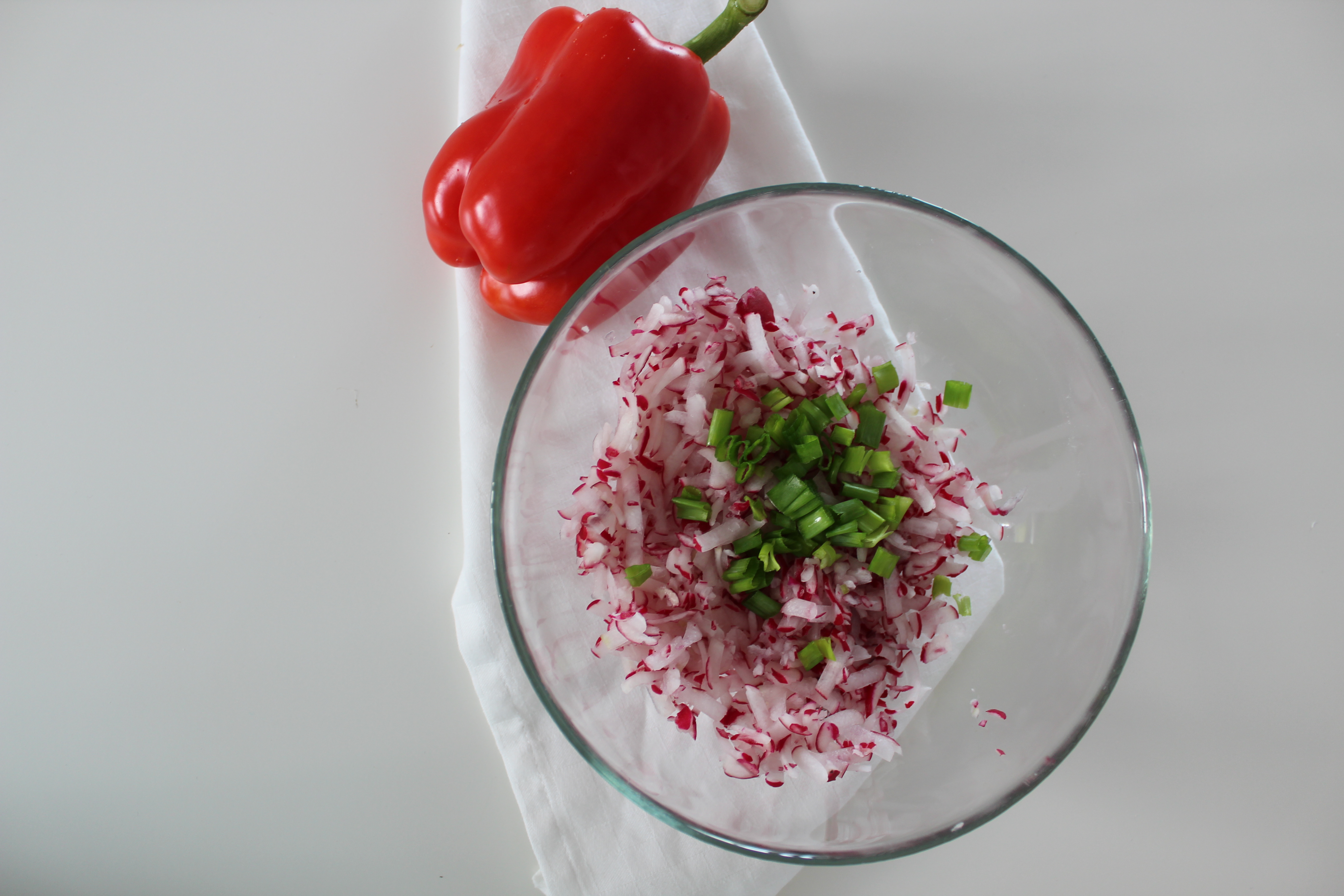 Pasta rzodkiewkowo-jogurtowa