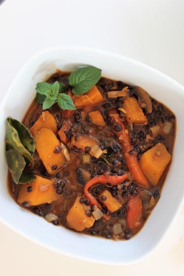 Czerwone curry z dynią i soczewicą