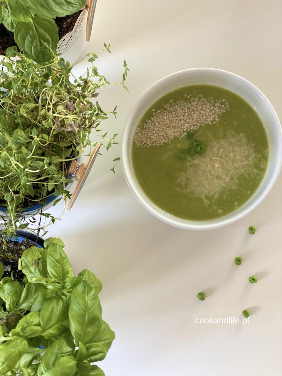 Zupa z groszku zielonego