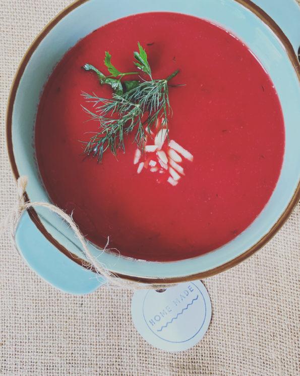 Zupa buraczkowa z kaszą bulgur