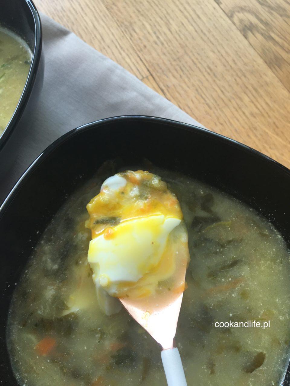 Zupa szczawiowa z kaszą