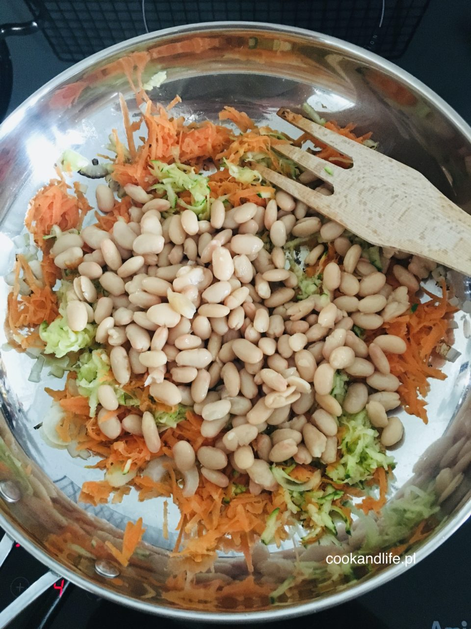 Burgery z fasoli i warzyw, czyli kotlety bez mięsa  - przepis