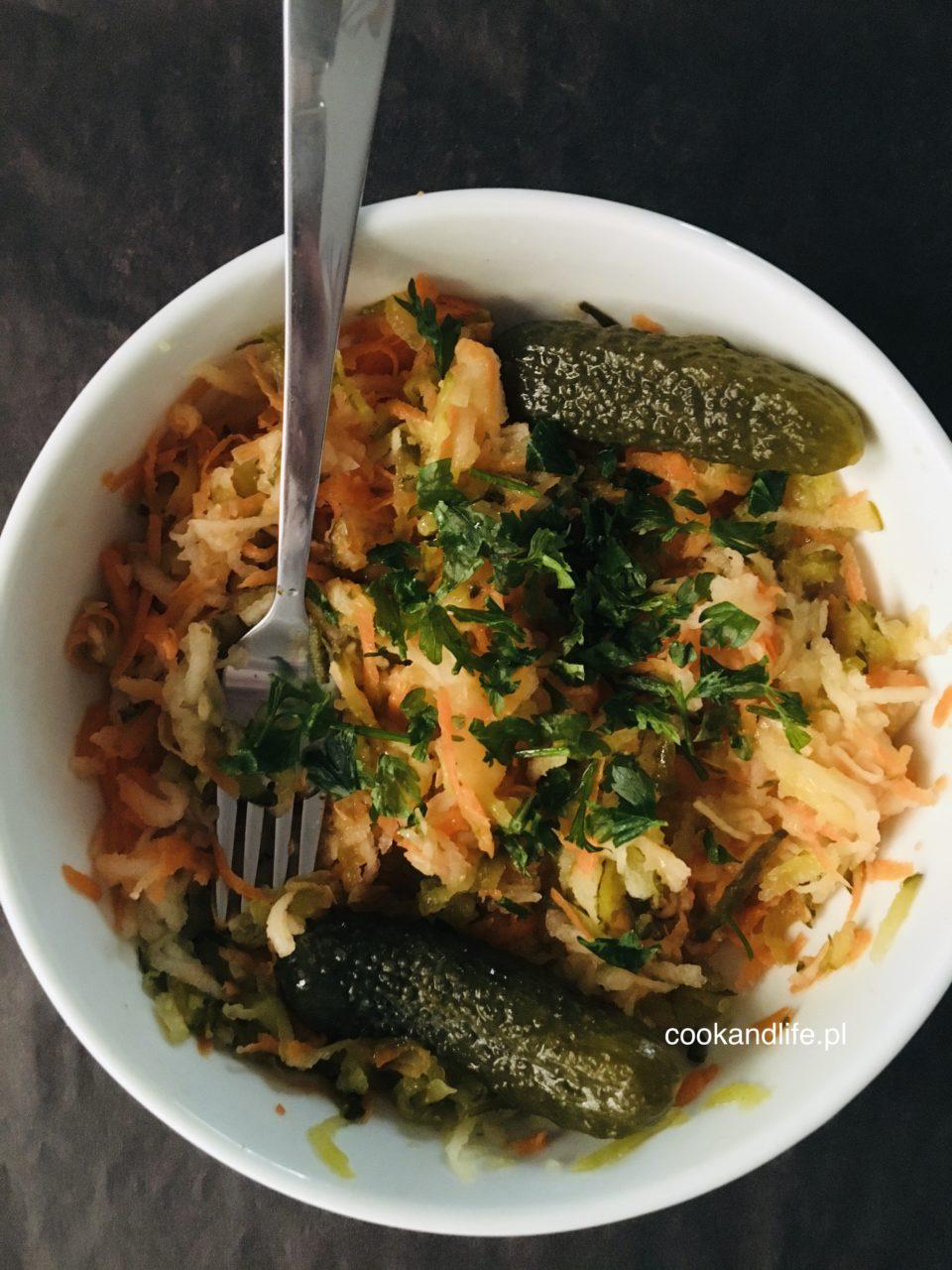 Surówka z ogórków kiszonych do obiadu