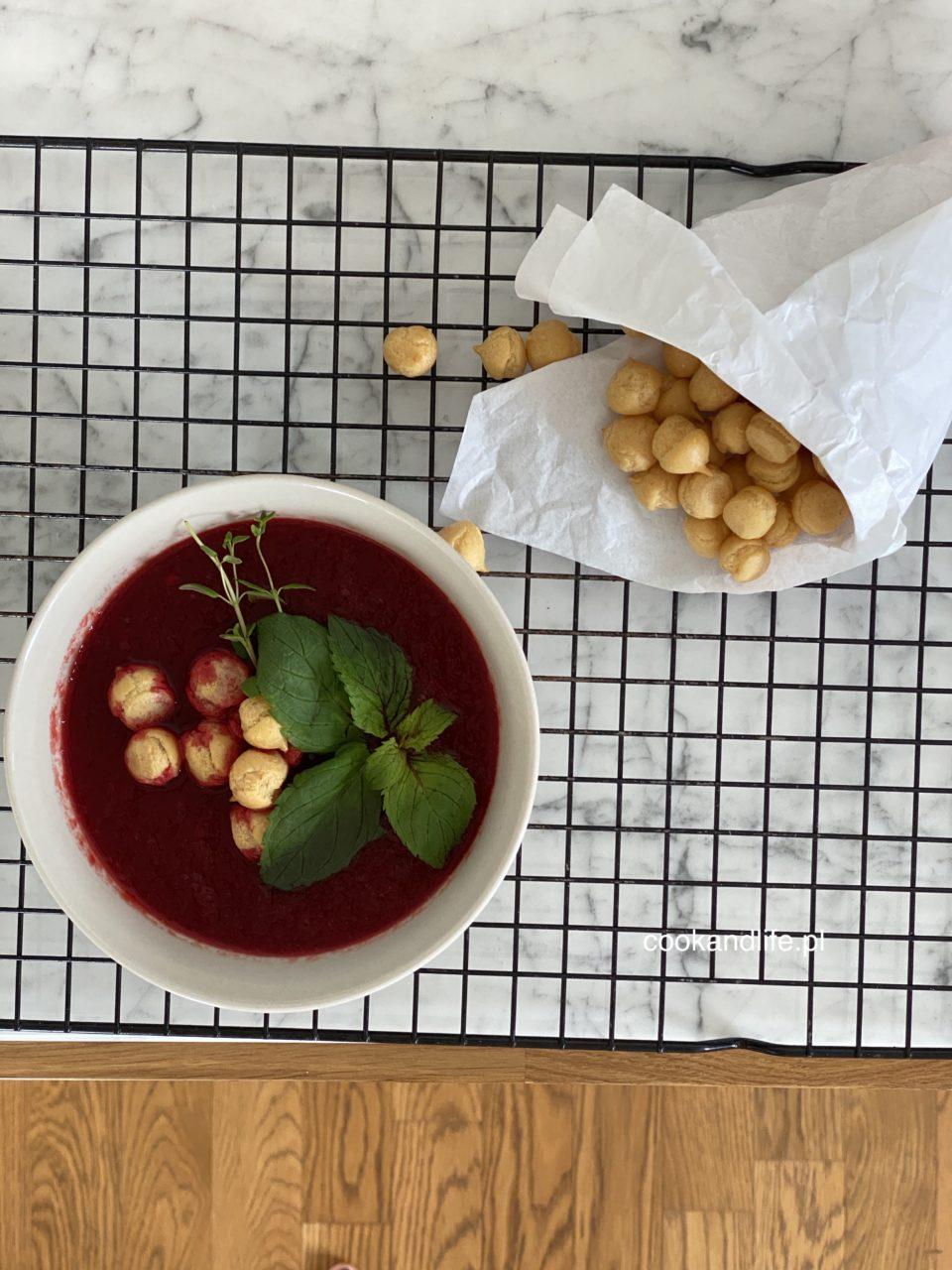 Zupa buraczkowa z buraka pieczonego