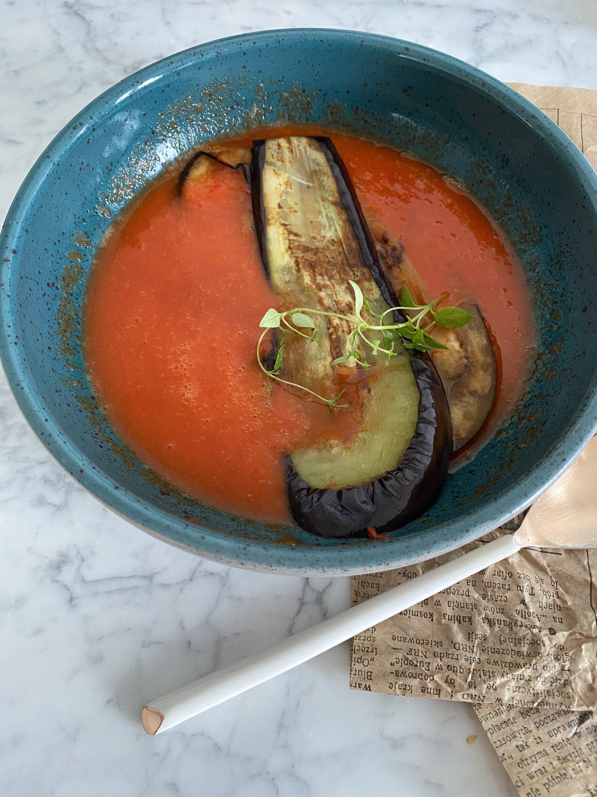 Zupa z papryki pieczonej i bakłażana