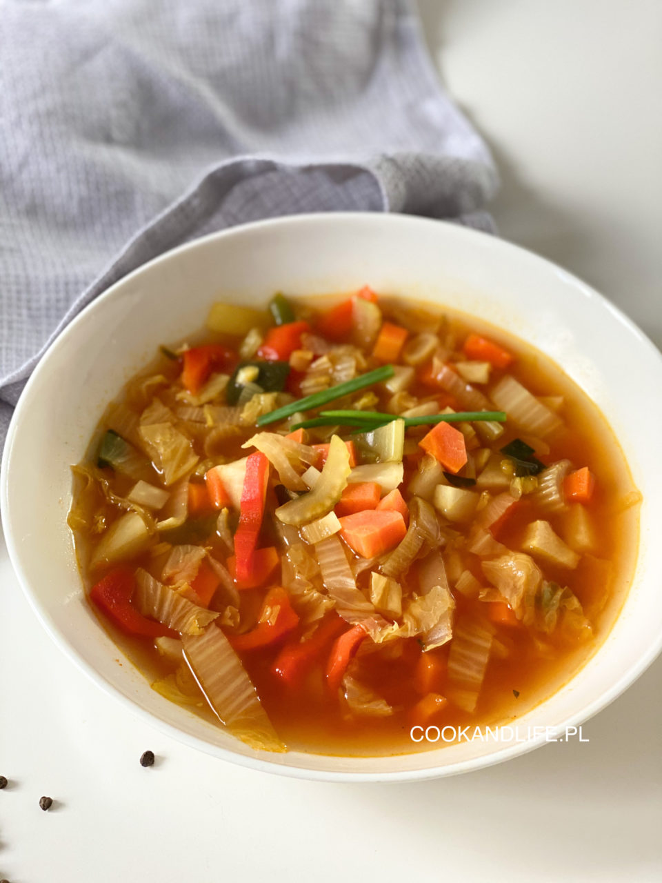 Zupa kapuściana z kapusty pekińskiej