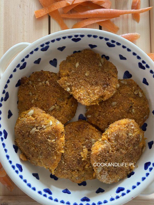 Kotlety marchewkowe ze słonecznikiem - wegańskie