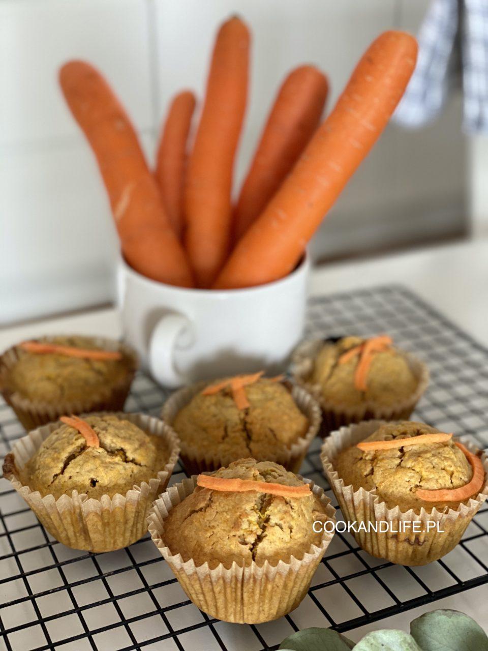 Babeczki marchewkowe dietetyczne