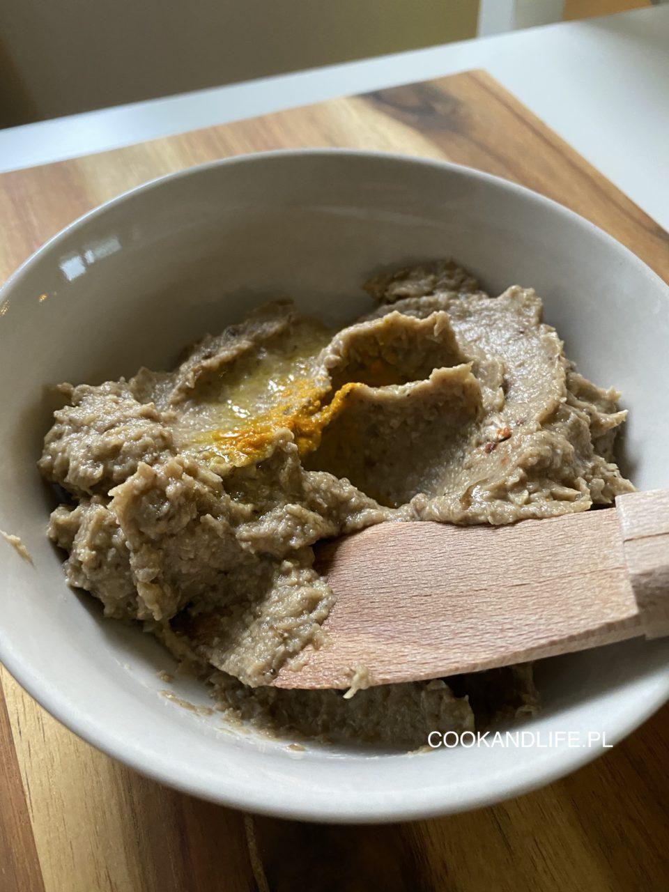 Pasta z bakłażana i słonecznika - idealna na kolację
