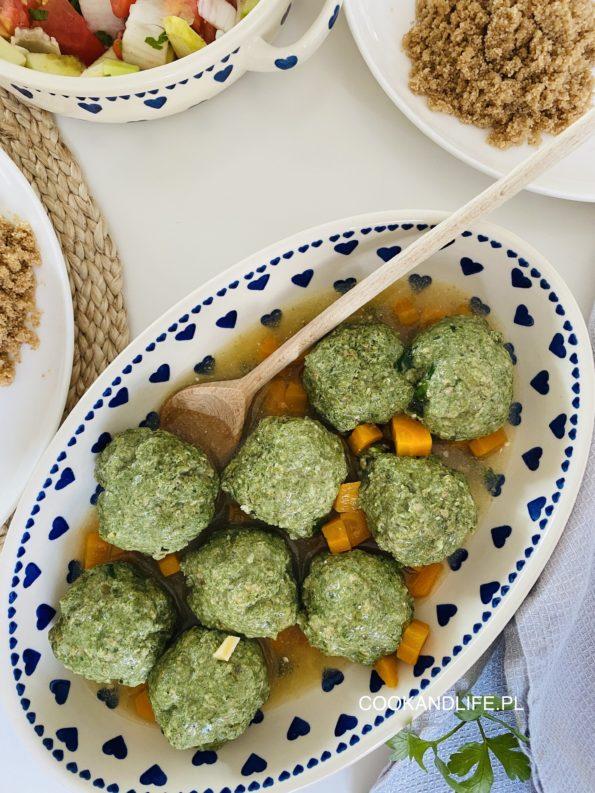 Pulpety mięsno-szpinakowe w sosie własnym, czyli zielony rządzi